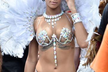 RihannaWhiteCarnivalCostume